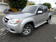 PICK UP MAZDA BT50 2012 MECANICO 4X4 2.5 TURBO DIESEL DE AGENCIA!
